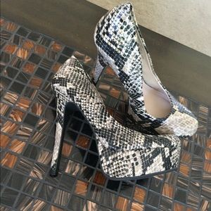 Olsenboye Faux Snake Skin heels